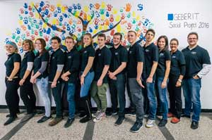 zadovoljna-geberit-ekipa-ob-uspesnem-socialnem-projektu