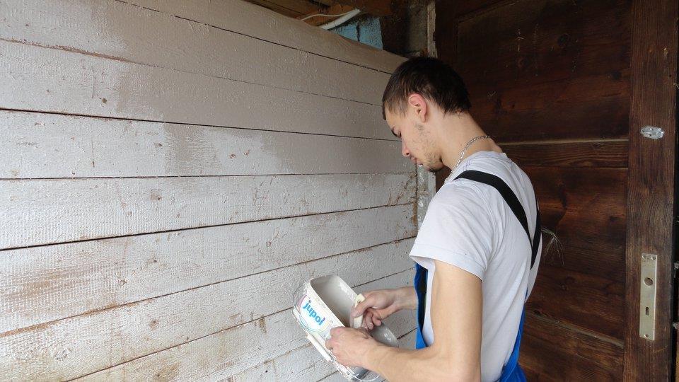 Foto 1-DZK-barvanje lesenih povrsin